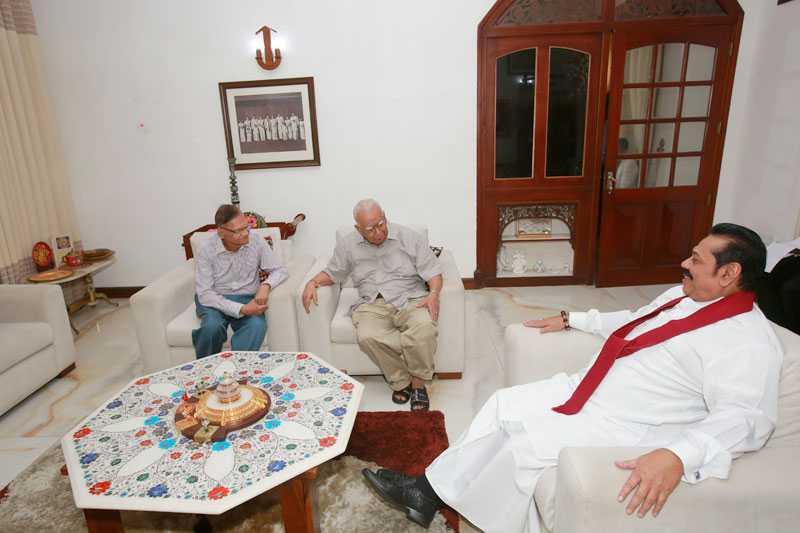 Sampanthan meets Mahinda for talks