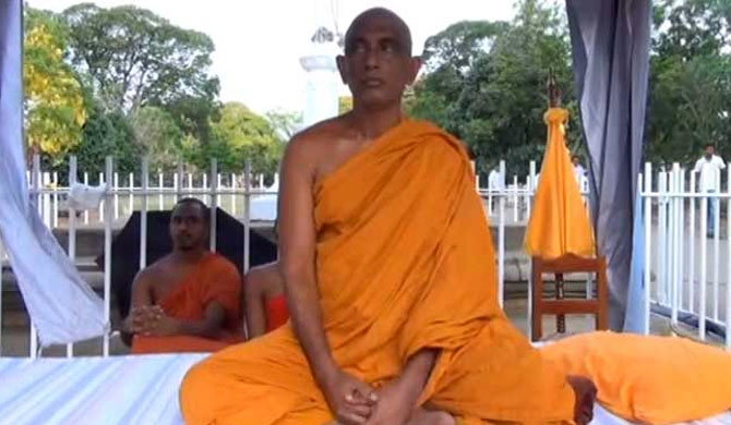 Rathana Thero ends protest fast