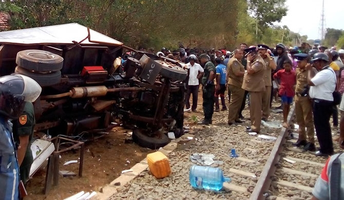 Six army personnel killed, in Kilinochchi train collision